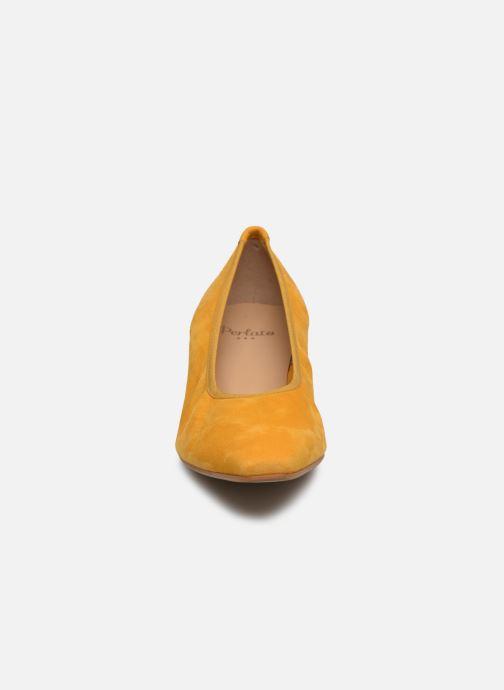 Escarpins Perlato 11129 Jaune vue portées chaussures