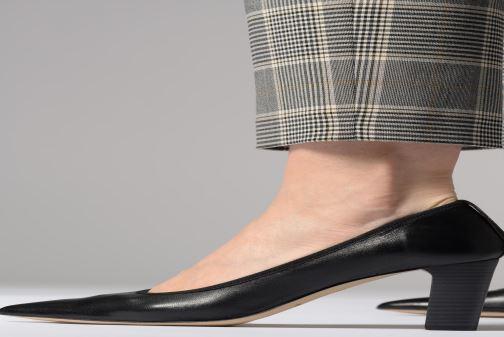 High heels Perlato 11128 Black view from underneath / model view