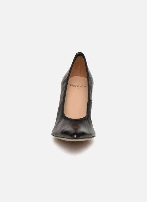 Escarpins Perlato 11128 Noir vue portées chaussures