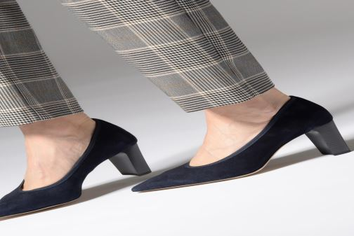 High heels Perlato 11128 Blue view from underneath / model view