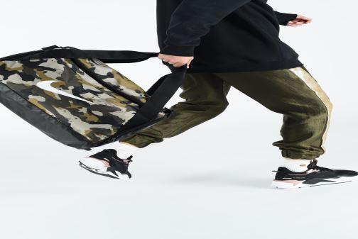 Sporttaschen Nike Nike Brasilia (Small) Training Duffel Bag grün ansicht von unten / tasche getragen