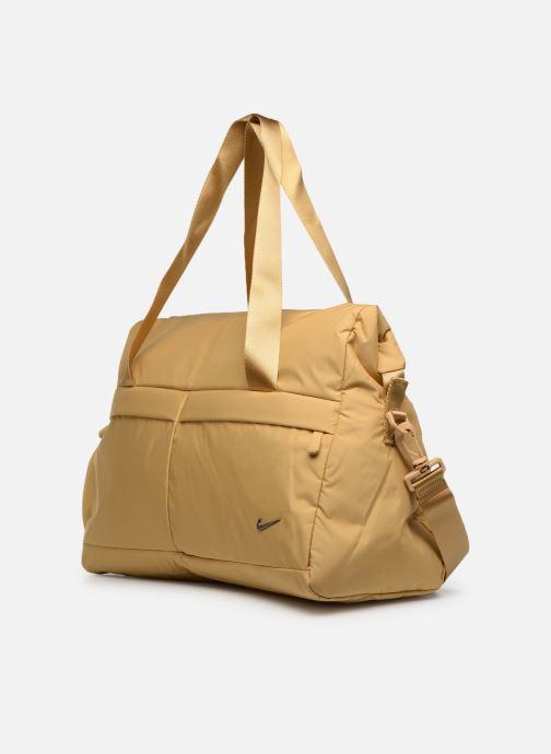 Bolsas de deporte Nike Women's Nike Legend Club Training Bag Oro y bronce vista del modelo