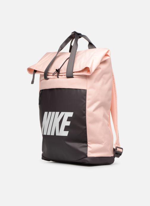 Sacs à dos Nike Nike Radiate Rose vue portées chaussures