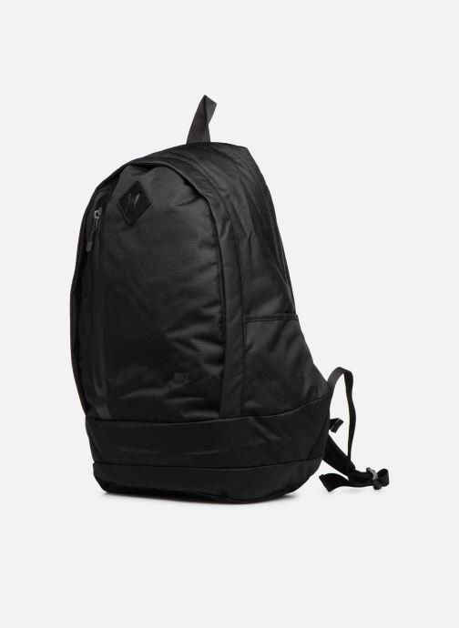Sacs à dos Nike Nike Cheyenne Backpack Noir vue portées chaussures