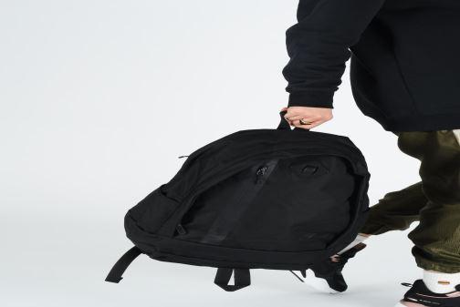Sacs à dos Nike Nike Cheyenne Backpack Noir vue bas / vue portée sac