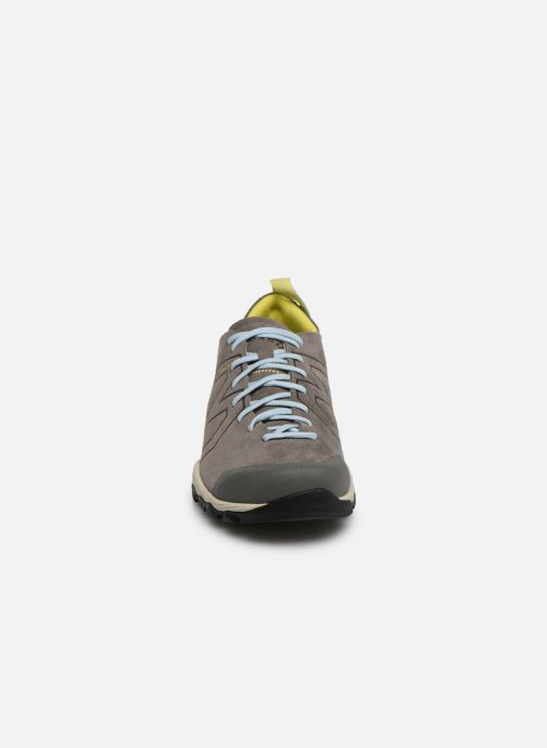 Zapatillas de deporte Garmont Agamura  WMS Gris vista del modelo