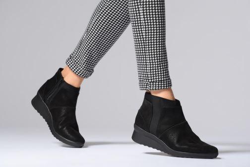 Bottines et boots Clarks Caddell Sloane Noir vue bas / vue portée sac