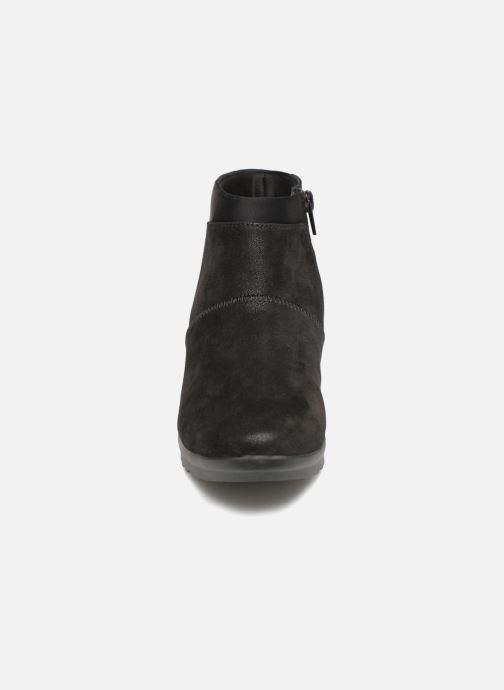 Boots Clarks Caddell Sloane Svart bild av skorna på