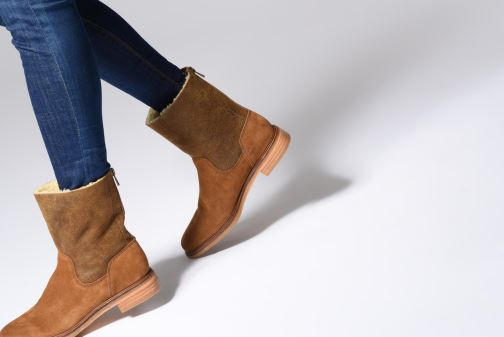 Bottines et boots Clarks Clarkdale Axel Noir vue bas / vue portée sac