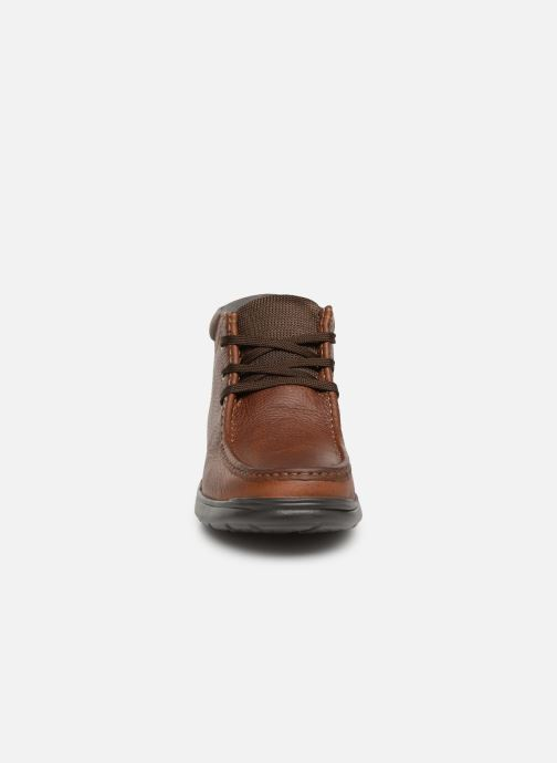 Bottines et boots Clarks Cotrell Top Marron vue portées chaussures