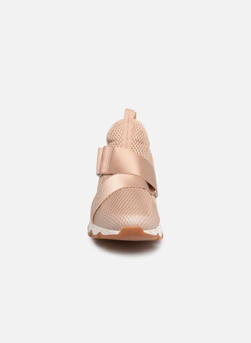 Sneaker Sorel Kinetic Sneak beige schuhe getragen