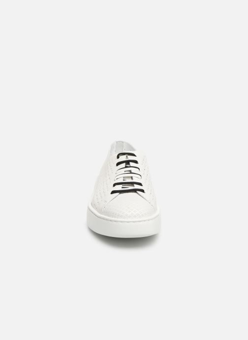 Sneakers Fratelli Rossetti Fiore Bianco modello indossato