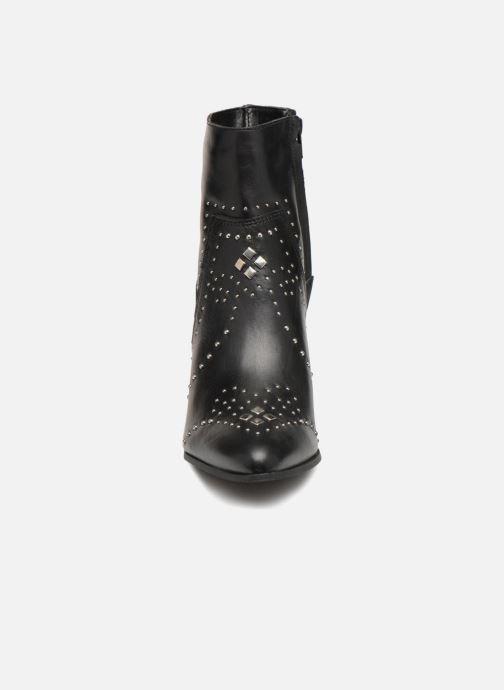 Bottines et boots Bullboxer 381505E6L Noir vue portées chaussures
