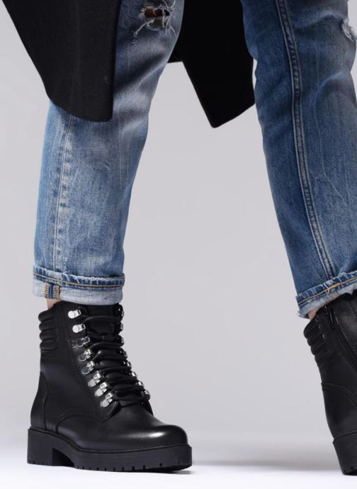 Ankle boots Bullboxer 387504F6L Black view from underneath / model view