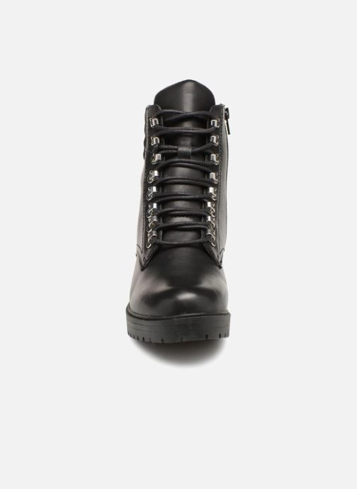 Ankle boots Bullboxer 387504F6L Black model view