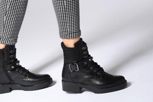 Bottines et boots Bullboxer 387522E6L Noir vue bas / vue portée sac