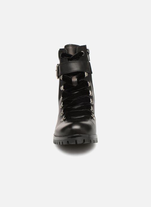 Bottines et boots Bullboxer 390510E6L Noir vue portées chaussures