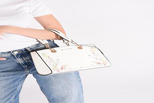 Handtaschen Aldo BEYAL weiß ansicht von unten / tasche getragen