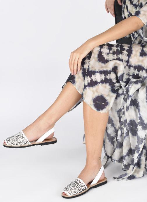 Sandales et nu-pieds Minorquines Avarca 4 Blanc vue bas / vue portée sac