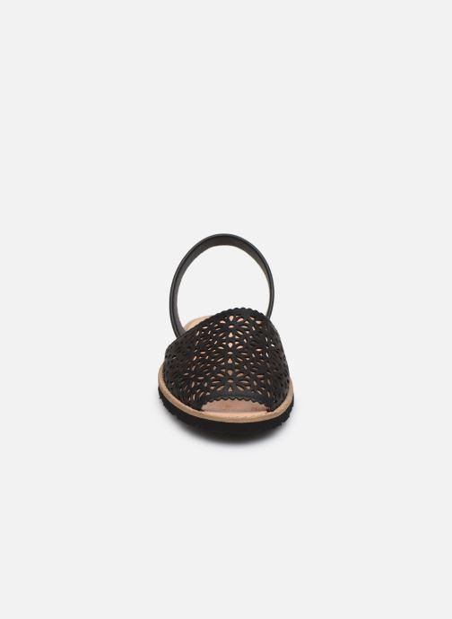 Sandales et nu-pieds MINORQUINES Avarca 4 Noir vue portées chaussures