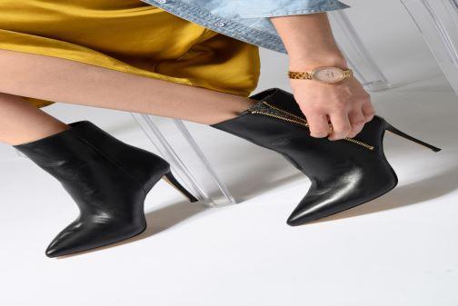 Bottines et boots Guess BELVIA Noir vue bas / vue portée sac