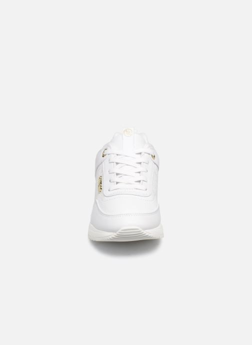 Baskets Guess MARLYN Blanc vue portées chaussures