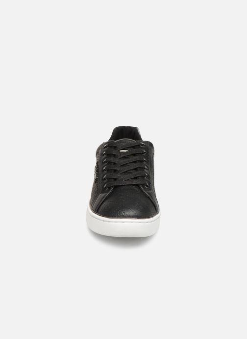 Sneaker Guess BECKIE schwarz schuhe getragen