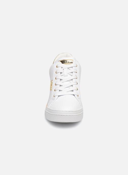 Sneaker Guess FLOWURS weiß schuhe getragen
