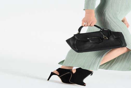 Handtaschen Mac Douglas BRASILIA ROMY W schwarz ansicht von unten / tasche getragen