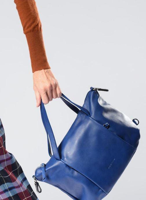 Handtaschen Sabrina Blandine braun ansicht von unten / tasche getragen