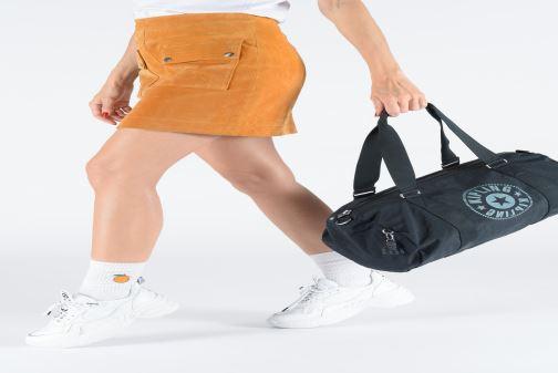 Sacs de sport kipling Onalo Blanc vue bas / vue portée sac