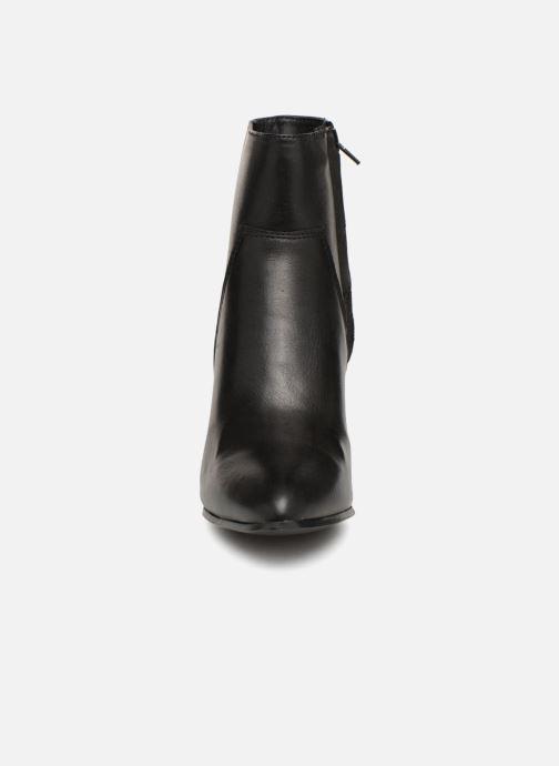 Bottines et boots Bullboxer 381500F6L Noir vue portées chaussures