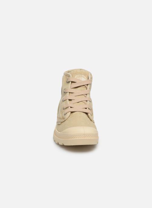 Baskets Palladium Pampa Hi w Beige vue portées chaussures