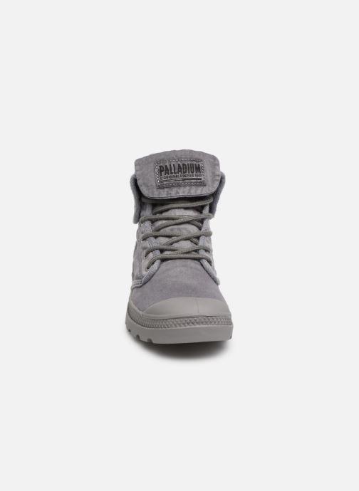 Baskets Palladium Baggy At 2.0 Gris vue portées chaussures