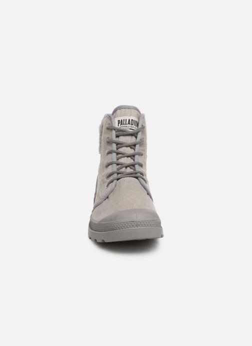 Baskets Palladium Pampa Hi Tc 2.0 Gris vue portées chaussures