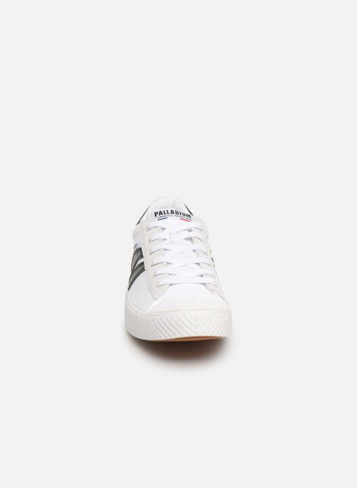 Baskets Palladium Pallaphoenix Flame C Blanc vue portées chaussures