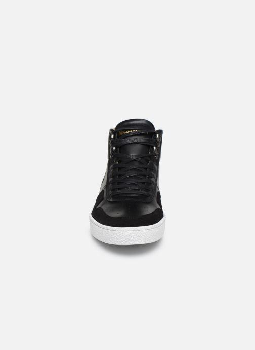 Sneakers Le Coq Sportif Prestige Nero modello indossato
