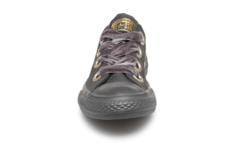 Baskets Converse Chuck Taylor All Star Big Eyelets Ox K Noir vue portées chaussures