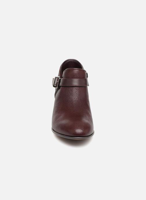 Bottines et boots Clarks Maypearl Milla Bordeaux vue portées chaussures
