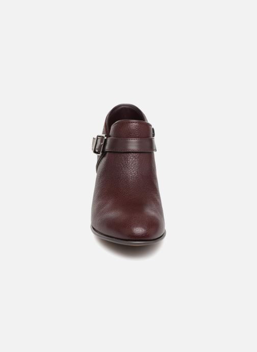 Boots Clarks Maypearl Milla Vinröd bild av skorna på