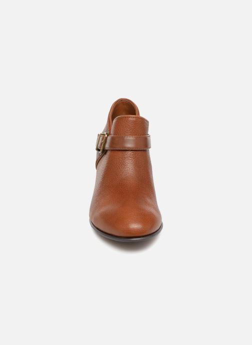 Bottines et boots Clarks Maypearl Milla Marron vue portées chaussures