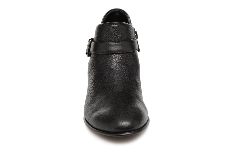 Bottines et boots Clarks Maypearl Milla Noir vue portées chaussures