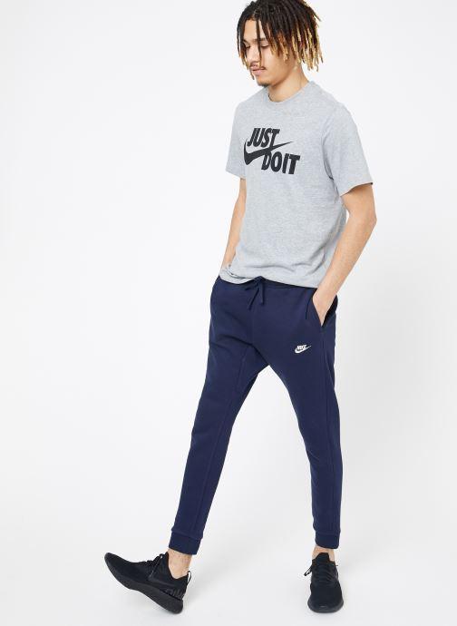 Vêtements Nike M Nike Sportwear Club Joggers Bleu vue bas / vue portée sac