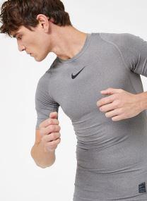 M  Nike Pro Top Short-Sleeve Comp