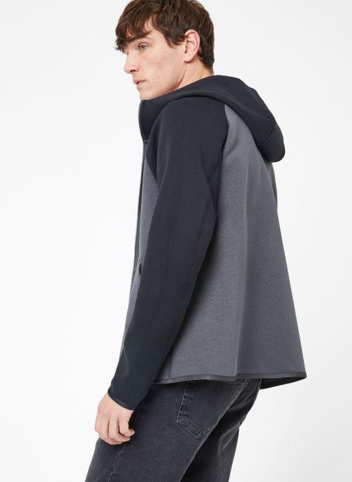 Ropa Nike M Nike Sportwear Tech Fleece Hoodie Full Zip Gris vista del modelo