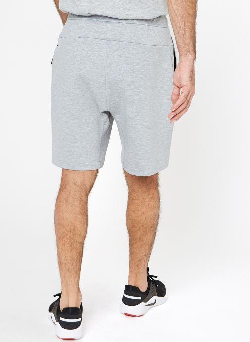 Vêtements Nike M Nike Sportwear Tech Fleece Short Gris vue portées chaussures