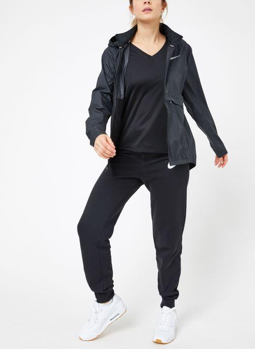 Vêtements Nike W Nike Essential Jacket Hd Noir vue bas / vue portée sac