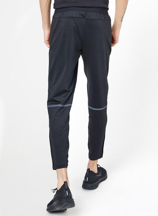 Vêtements Nike M Nike Phnm Pant 2 Noir vue portées chaussures