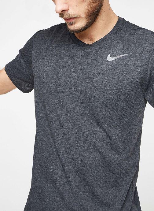 Tøj Nike M Nike Brt Top Short-Sleeve Hpr Dry Sort detaljeret billede af skoene