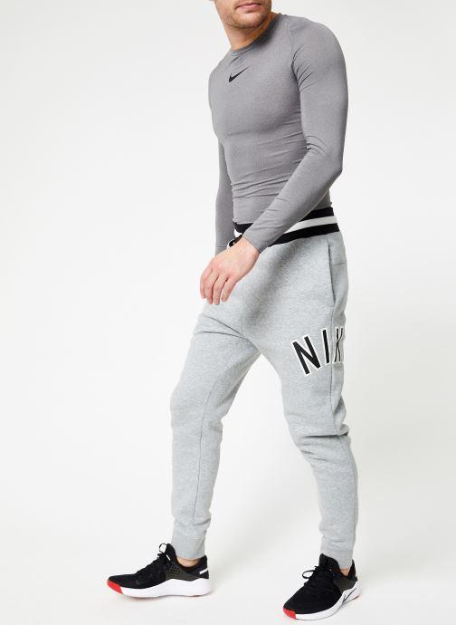 Vêtements Nike M Nike Sportwear Nike Air Pant Flc Gris vue bas / vue portée sac